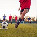 Le donne possono amare il calcio? Quali club trovano interessanti e l'AC Milan è il loro preferito in Italia?
